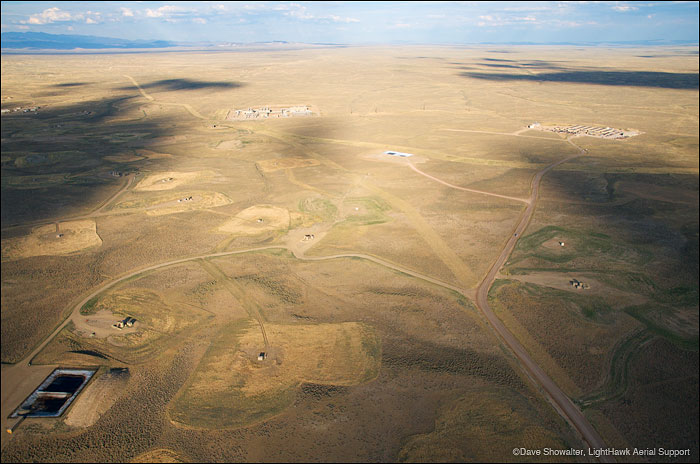 jonah natural gas field,pinedale, wyoming, fracking , photo