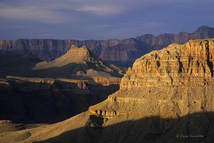 Late afternoon sun spotlights golden rock from Horseshoe Mesa.